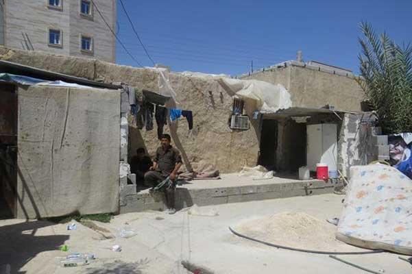 زندگی زن جمی در میان کارگران افغانی