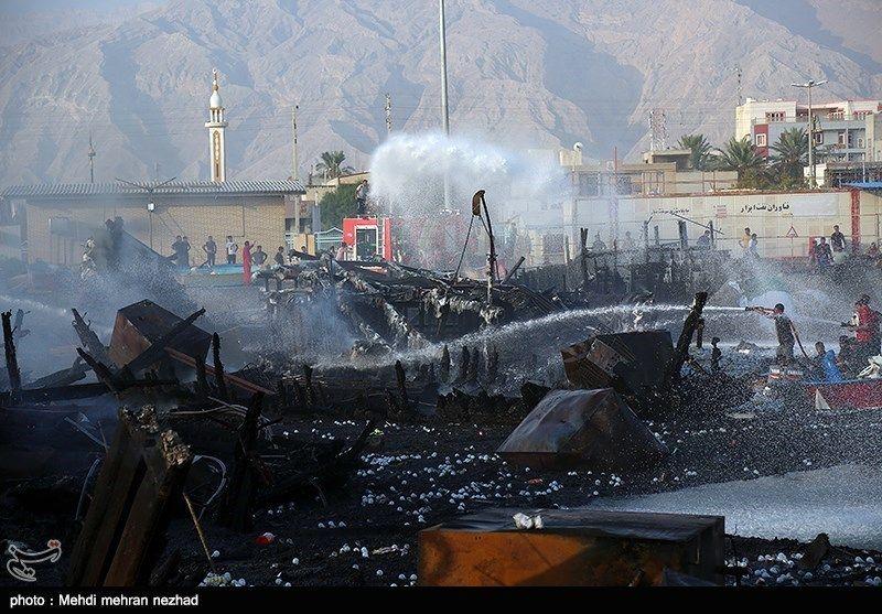 آتشسوزی در اسکله بندر کنگان ۷۰ میلیارد ریال خسارت وارد کرد / تصاویر