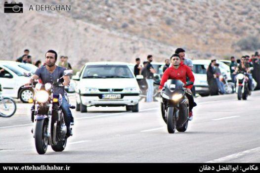 پلیس اجازه گردهمایی موتورسوران جمی نداد / جوانان موتورسوار: پیست راهاندازی کنید به اتوبان نمیآییم
