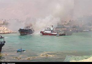 فرماندار: آتشسوزی اسکله کنگان مهار شد/ علت حادثه در دست بررسی است+تصاویر